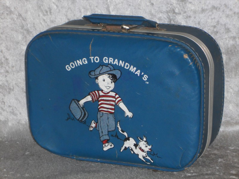 CHILDRENS SUITCASE 1960S GOING TO GRANDMA'S