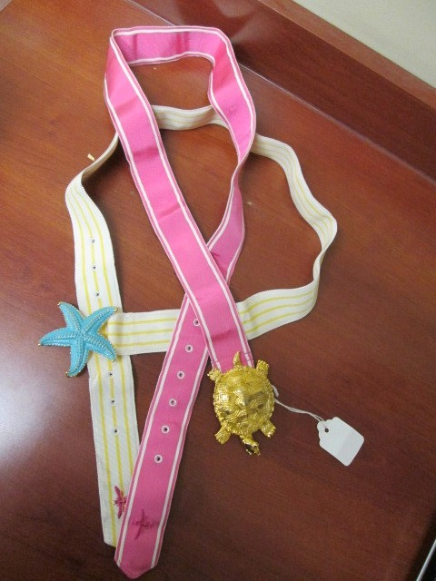 2 S/M RETRO LADIES BELTS PINK W/ TURTLE BUCKLE WHITE & YELLOWW/ STARFISH BUCKLE