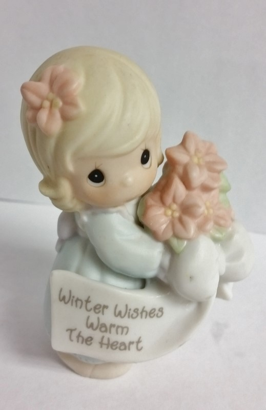 "Precious Moments Figurine 2000 ""Winter Wishes Warm The Heart"" #184241"