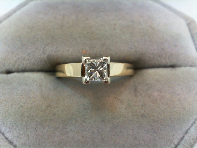 Lady's Diamond Solitaire Ring .46 CT. 14K Yellow Gold 3.3g