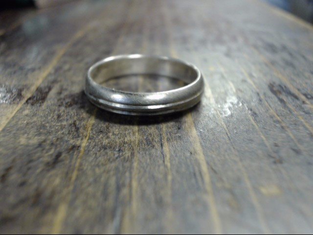Lady's Silver Ring 925 Silver 2.5g Size:8