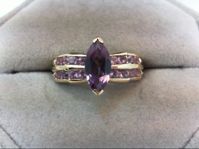 Amethyst Lady's Stone Ring 10K Yellow Gold 2.7g
