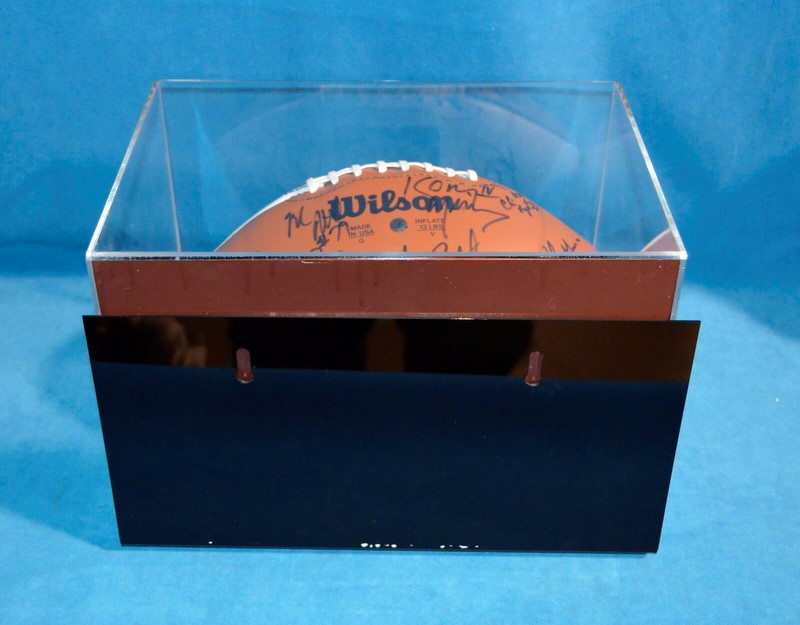 NOTRE DAME SIGNED FOOTBALL 97-98 W/CERTIFICATE OF AUTHENTICITY
