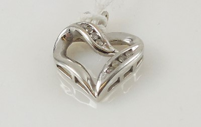 Heart Pendant 8 Diamonds .08 Carat T.W. 14K White Gold 1.9g