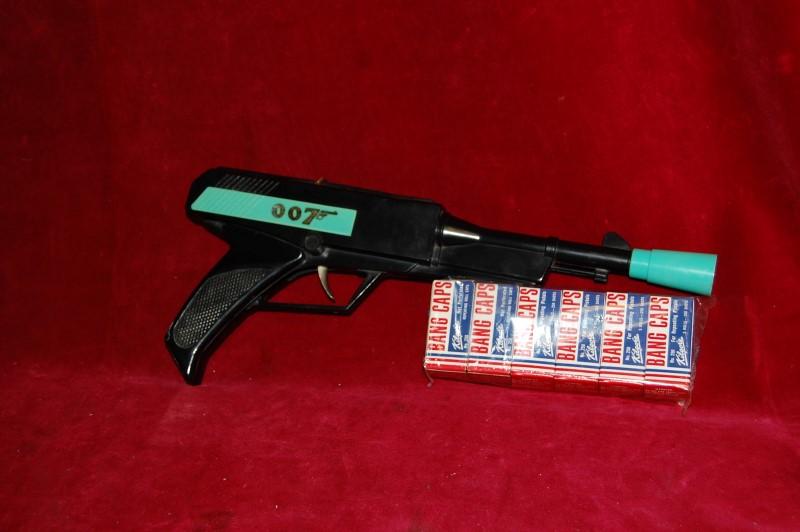 JAMES BOND 007 CAP-GUN