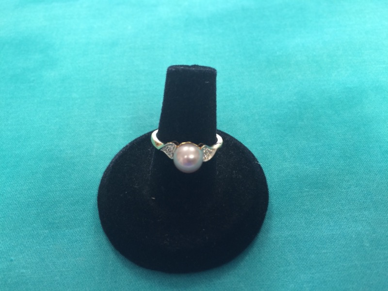Synthetic Pearl Lady's Stone Ring 14K Yellow Gold 1.8dwt