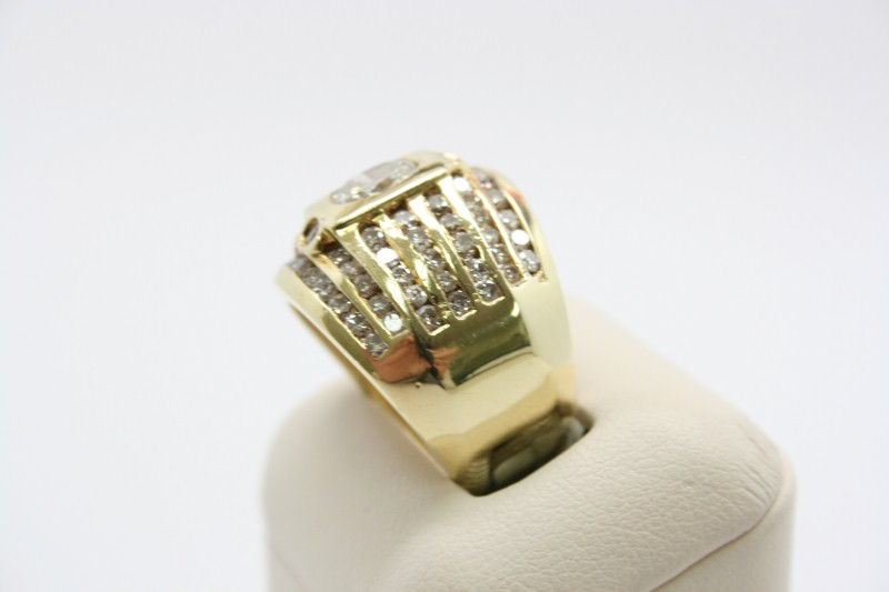 LADY'S FASHION STYLE WIDE DIAMOND BAND 18K YELLOW GOLD