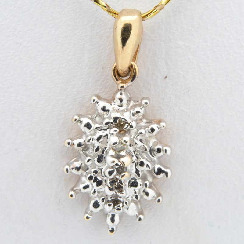 ESTATE SMALL NATURAL DIAMOND CLUSTER PENDANT CHARM REAL 10K GOLD 1g