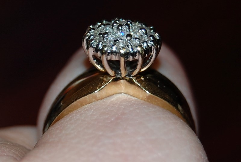 Lady's Diamond Cluster Ring 16 Diamonds .16 Carat T.W. 14K Yellow Gold 5.1g