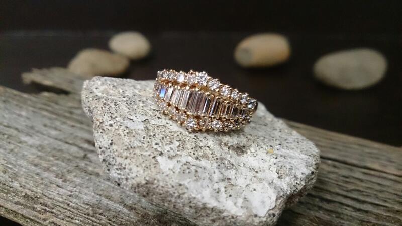 Lady's Gold-Diamond Anniversary Ring 24 Diamonds 0.96 Carat T.W. 14K Yellow Gold
