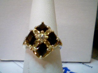 Black Stone Lady's Stone Ring 14K Yellow Gold 4.75g