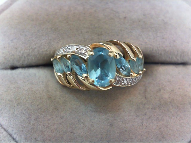 Lady's Gold Ring 10K Yellow Gold 3.5g