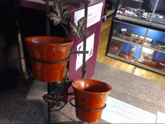 """VINTAGE BAUER CAILIFORNIA 4"""" FLOWER POTS WITH HOLDER"""