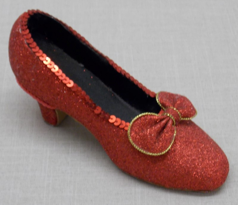 """WIZARD OF OZ"" RUBY SLIPPER COLLECTABLE, 6"""