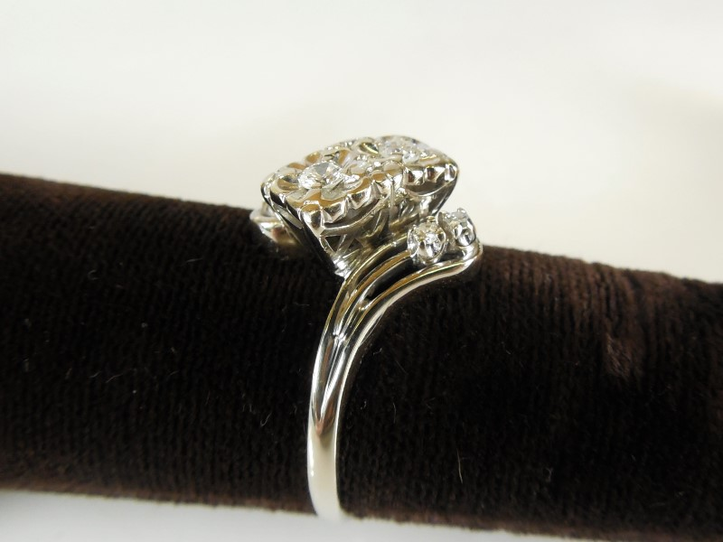 LADY'S 14KWG ART DECO VINTAGE DIAMOND RING APX.18C.T.W SZ8.75