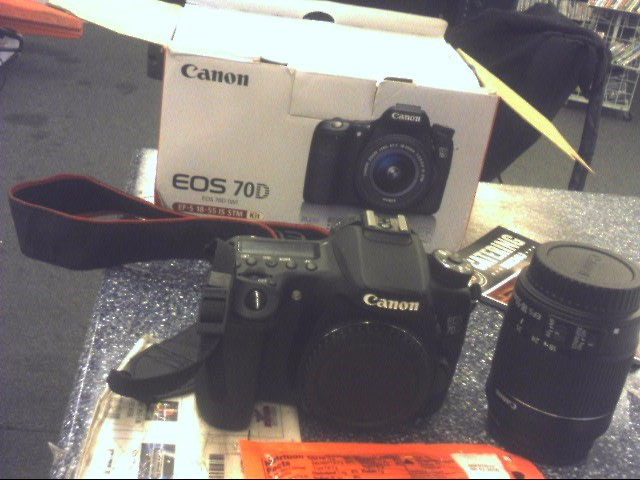 CANON Digital Camera EOS 70D / EF-S 18-55 IS STM KIT