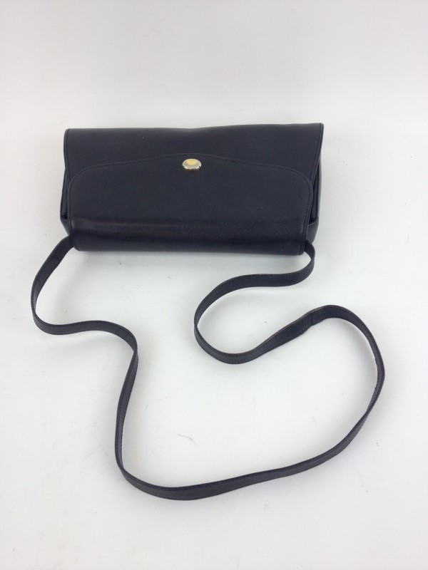 GUCCI VINTAGE BLACK LEATHER SHOULDER BAG