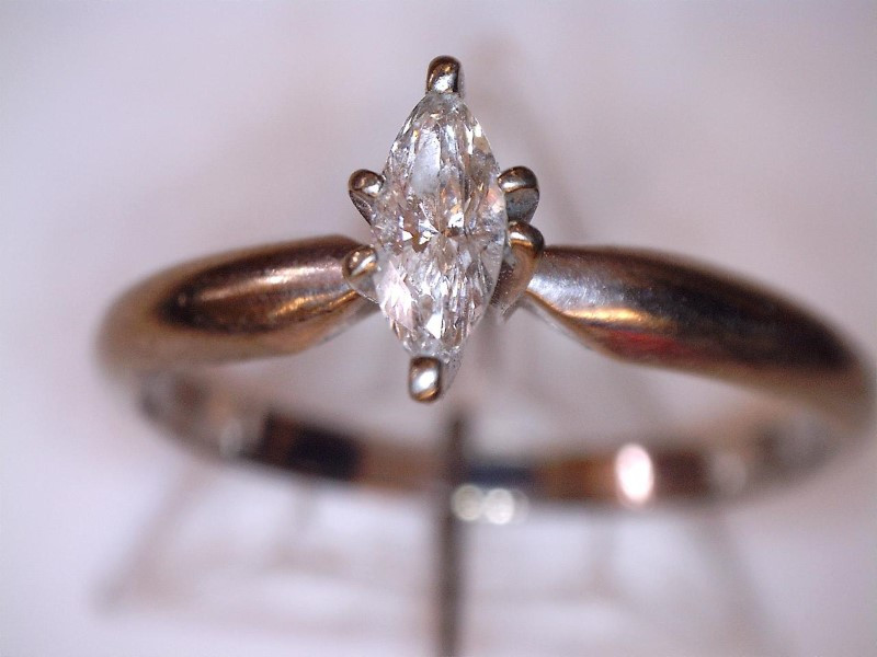 Lady's Diamond Solitaire Ring .26 CT. 10K White Gold 1.3dwt Size:6.5