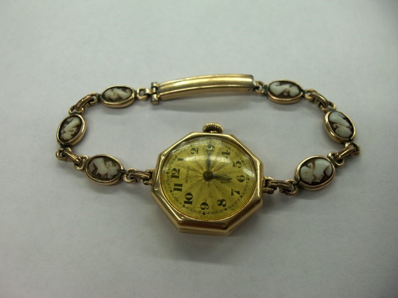 OMEGA WATCH LADIES 1916 MANUAL WIND WATCH 18K SOLID GOLD CASE W CAMEO BAND