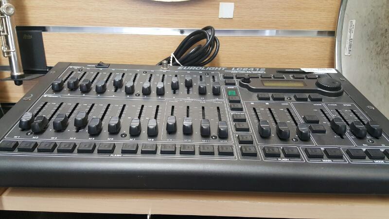 BEHRINGER Mixer EUROLIGHT LC2412