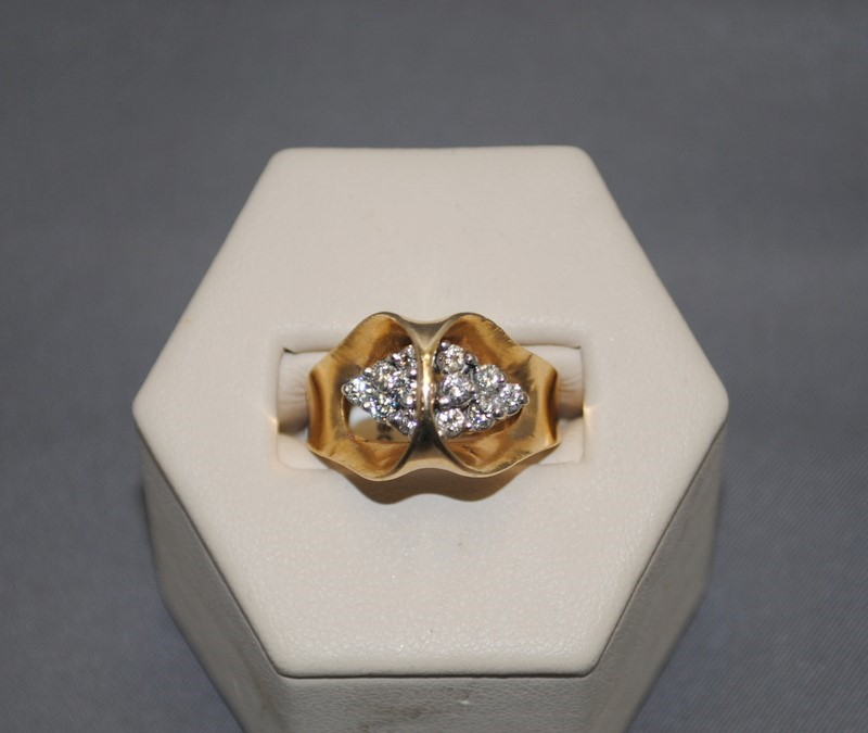 Lady's Diamond Cluster Ring 12 Diamonds .48 Carat T.W. 14K Yellow Gold 7.6g