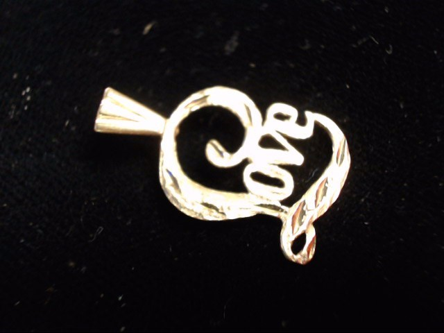 Gold Pendant 14K Yellow Gold 0.8g