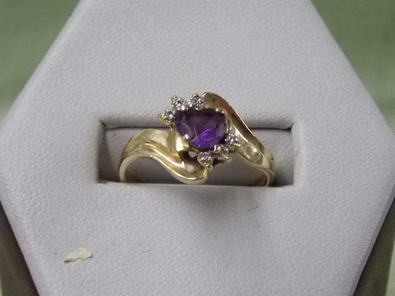 Synthetic Amethyst Lady's Stone Ring 14K Yellow Gold 1.8dwt