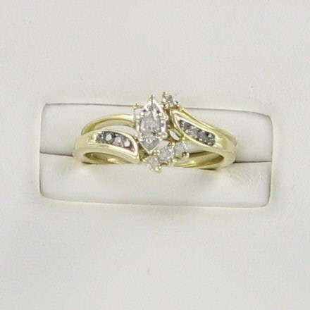 Lady's Gold Ring 10K Yellow Gold 2.1dwt