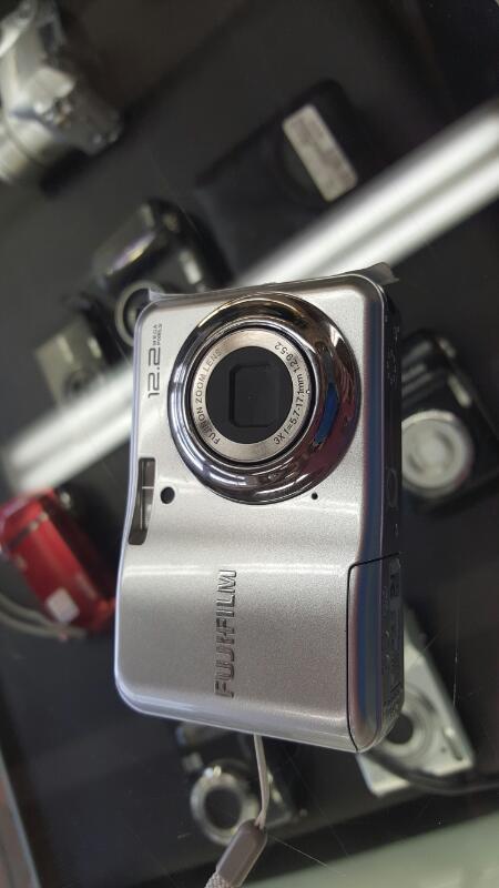 FUJI Digital Camera A220