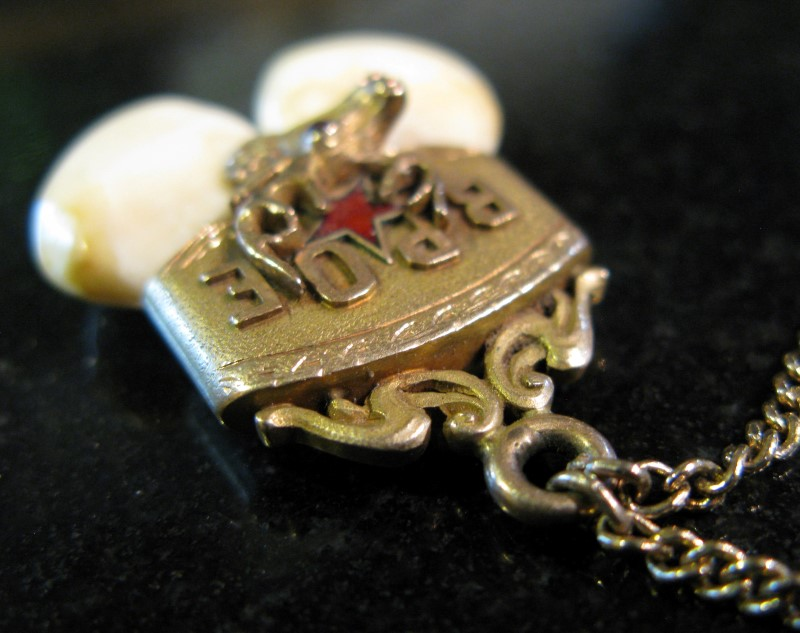 VINTAGE MASONIC ELKS BUGLING ELK TIE TACK/CLIP 14K, RUBY, EYE TEETH