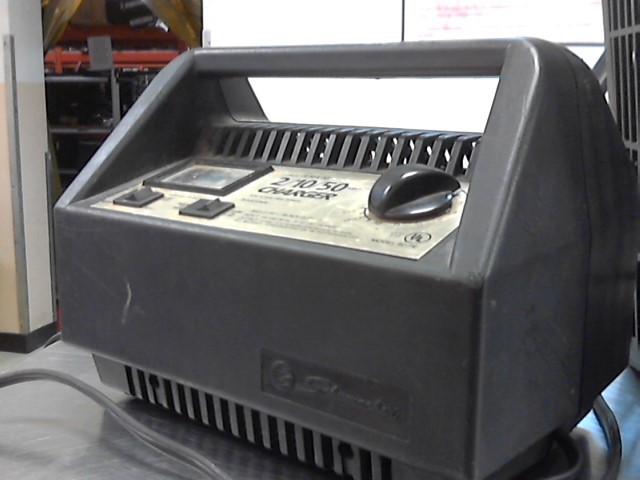 SCHUMACHER BATTERY CHARGER 60-PE 2/10/50 AMP