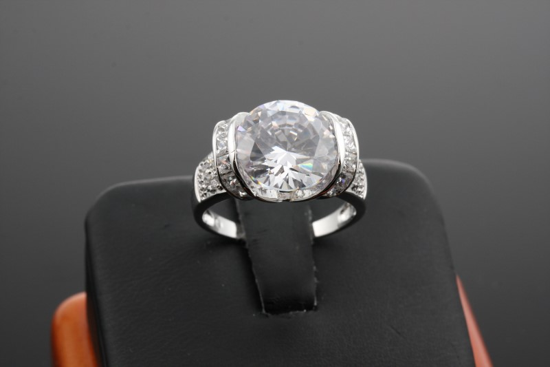 Lady's Silver Ring 925 Silver 6.25g Size:7.5
