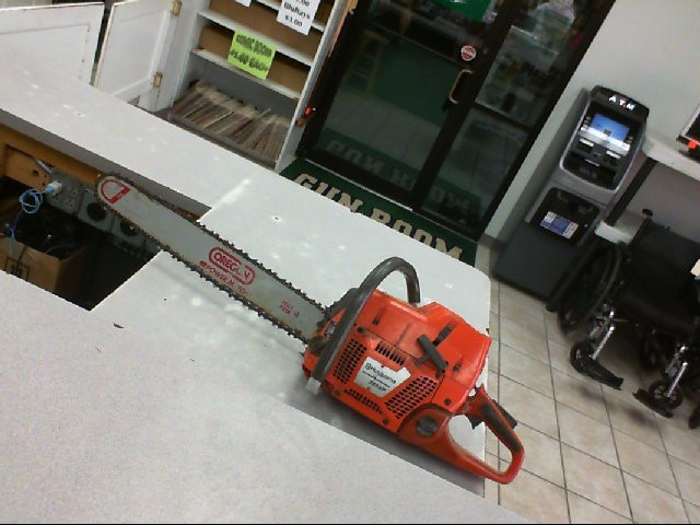 HUSQVARNA Chainsaw 385XP