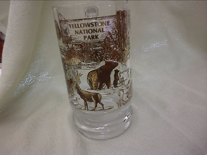 MISC HOUSEHOLD MISC USED MERCH MISC USED MERCH; YELLOWSTONE NATL PARK SCENE GLAS