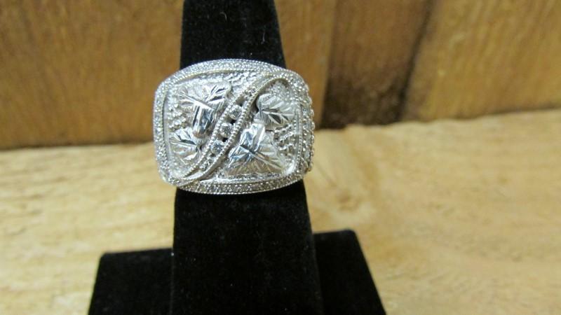 Gent's Diamond Fashion Ring 39 Diamonds 0.73 Carat T.W. 10K White Gold 8.6g