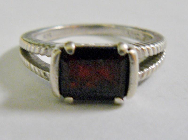Vintage Almandite Garnet  Silver & Stone Ring 925 Silver 2.6dwt Size:7