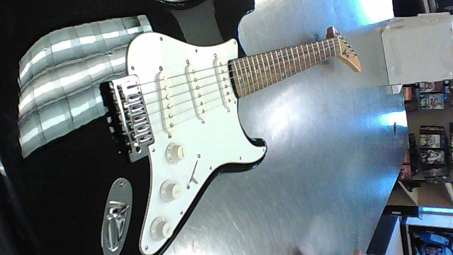 EPI ELECTRIC GUITAR STRAT-COPY