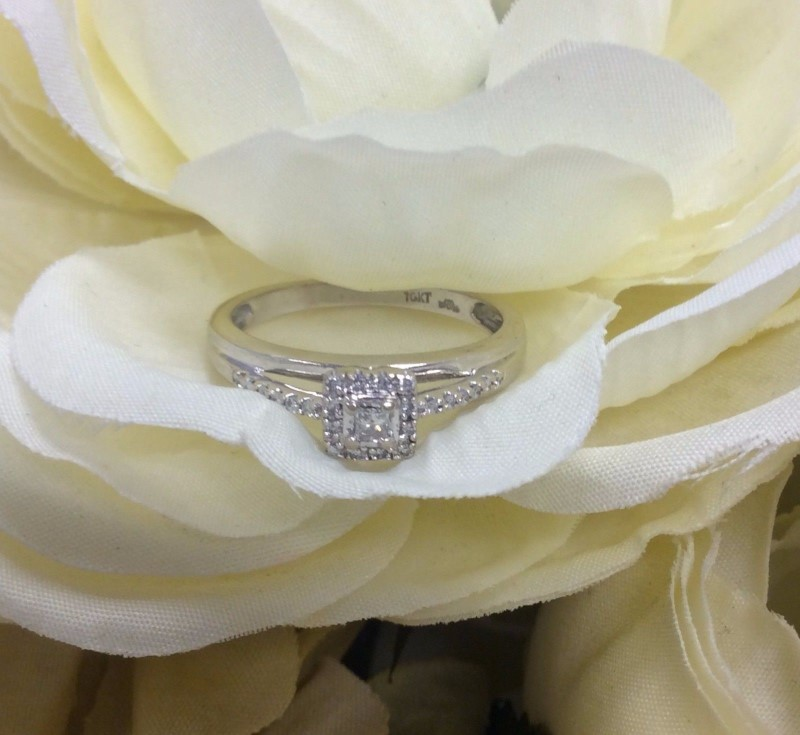 Lady's Diamond Engagement Ring 23 Diamonds .38 Carat T.W. 10K White Gold 2.28g