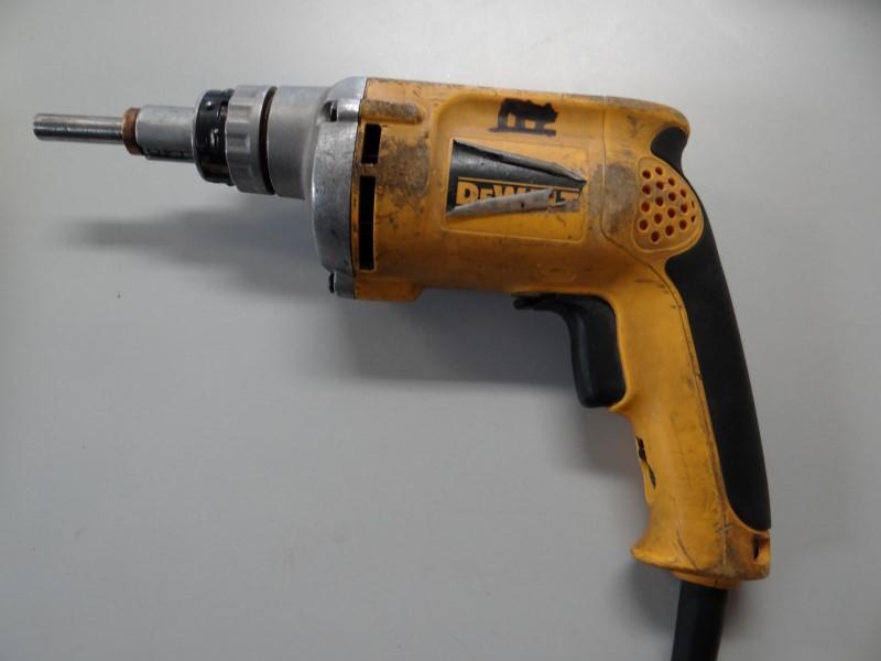DEWALT Screw Gun DW272