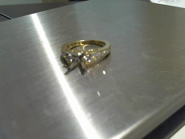 Lady's Gold Ring 18K Yellow Gold 5.2g