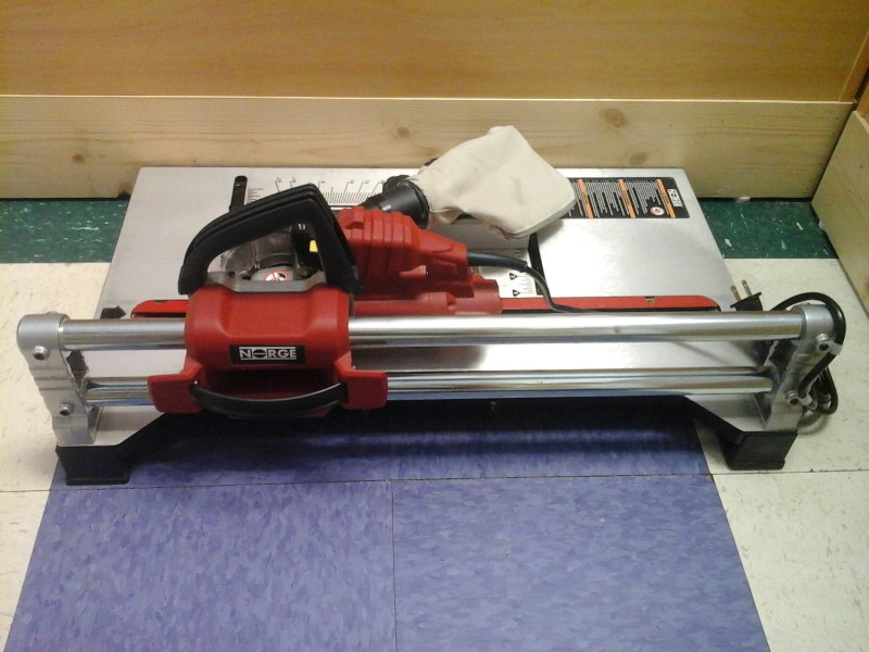"NORGE TOOLS 5"" PORTABLE FLOORING SAW"