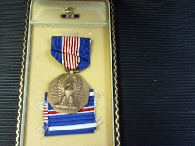 WWII SOLDIERS MEDAL