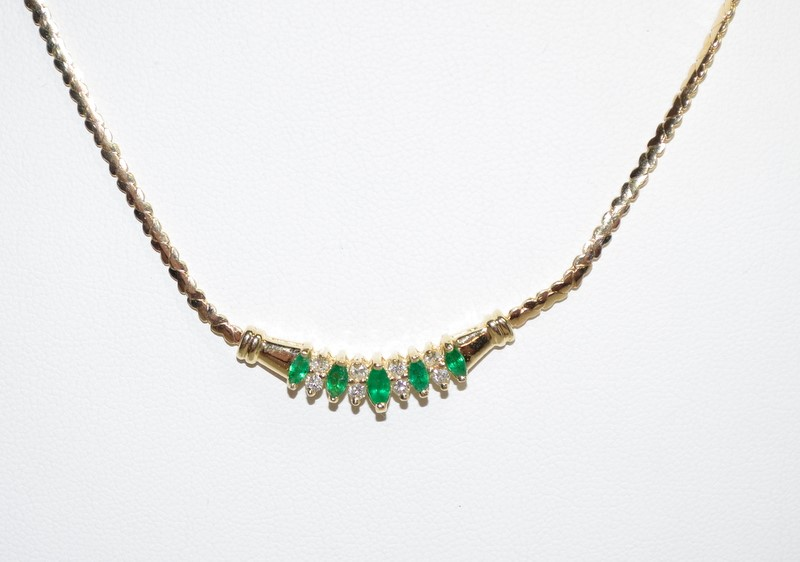 "17"" Synthetic Emerald Diamond & Stone Necklace 8 Diamonds .24 Carat T.W."