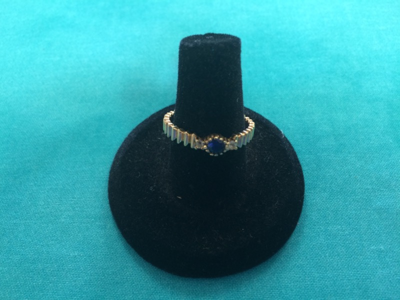 Purple Stone Lady's Stone Ring 14K Yellow Gold 1.8dwt