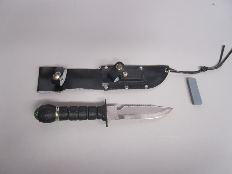 STAINLESS STEEL SURVIVAL / COMBAT KNIFE, #420, WITH COMPASS