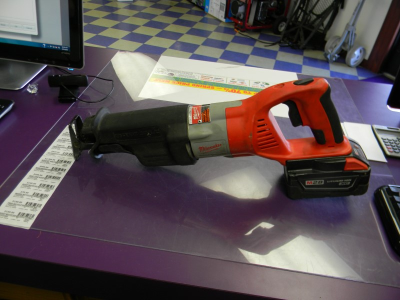 Milwaukee V28 / M28 Cordless Sawzall Reciprocating Saw 0719-20