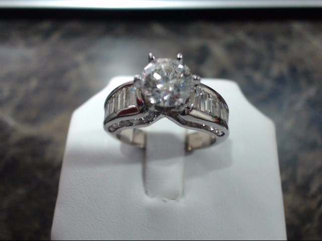 Lady's Gold Ring 14K White Gold 4g