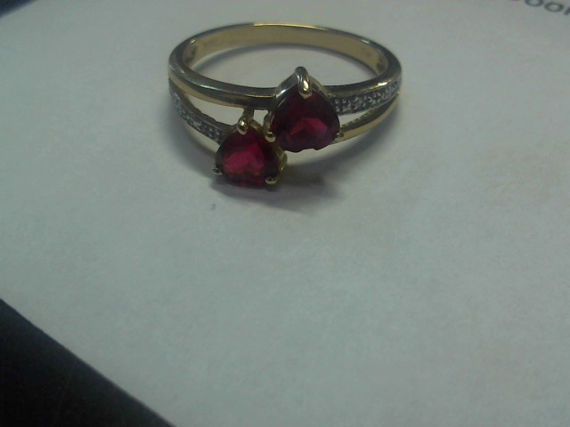 Red Stone Lady's Stone Ring 10K Yellow Gold 1.97g