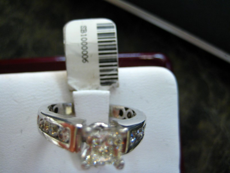 Lady's Diamond Engagement Ring 1.5 CT. 14K White Gold 6g
