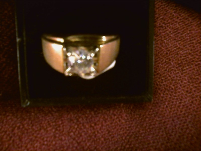 1CT CZ  SET IN 4KT YELLOW GOLD RING SIZE 12